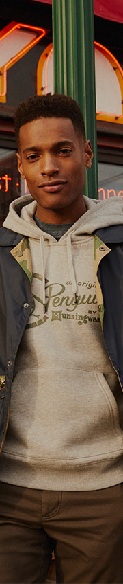 Penguin Munsingwear Jumpers and Zip Tops
